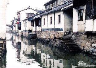 外滩+城隍庙+三水乡乌镇周庄南浔双飞三日游<江南风情>