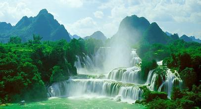 綠城南寧+德天跨國大瀑布(中越)+原始森林大峽谷雙飛六日游<藍天白云>
